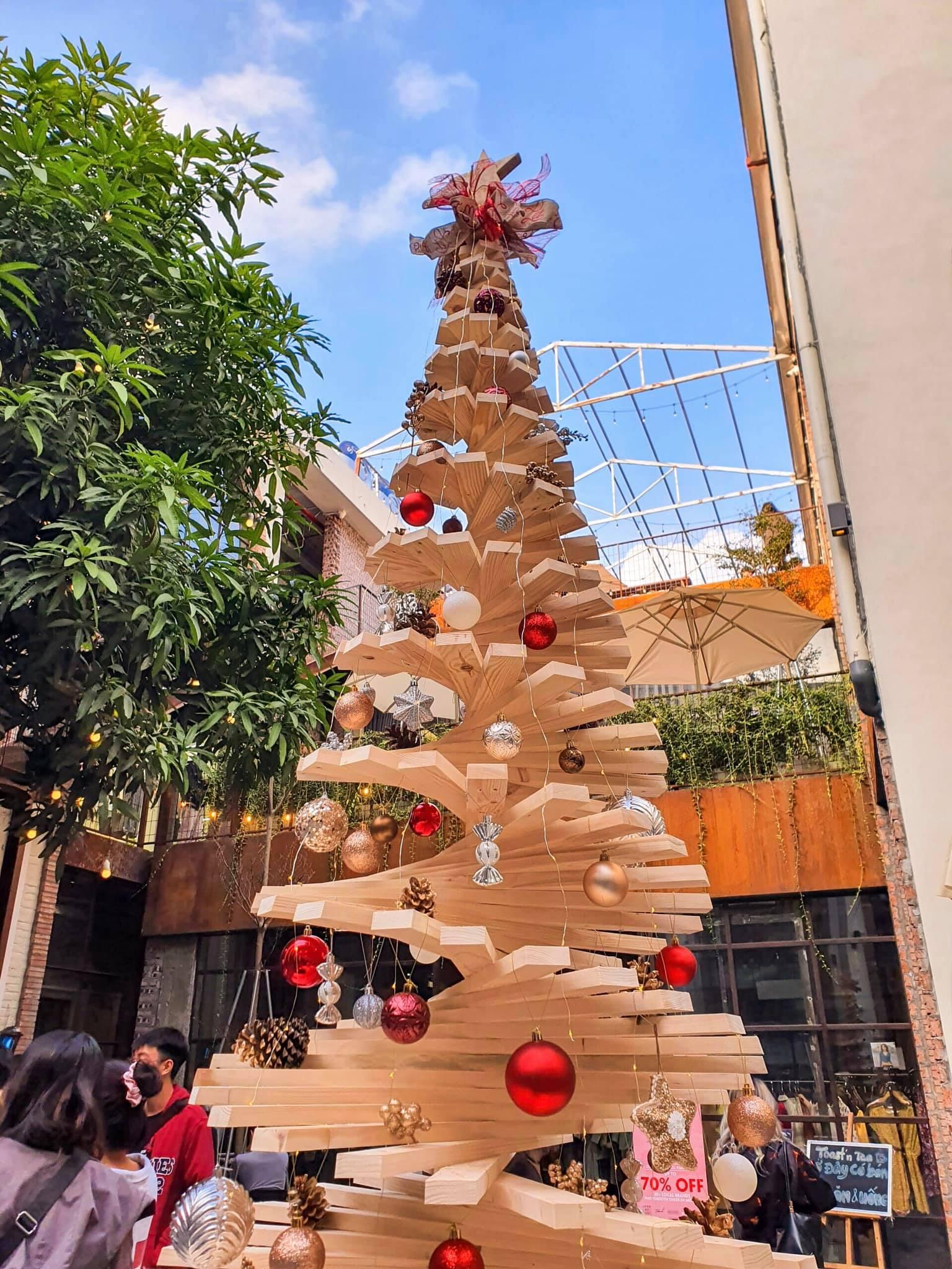 Bật mí các địa điểm đi chơi Noel ít người biết đến quanh Hà Nội  - Ảnh 4.