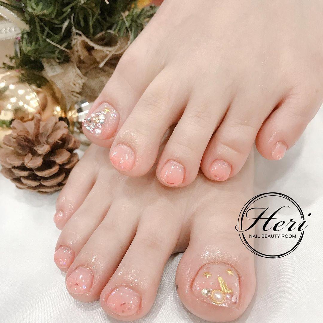 Hưởng ứng Noel bằng những mẫu nail có họa tiết nổi bật và độc đáo - Ảnh 7.