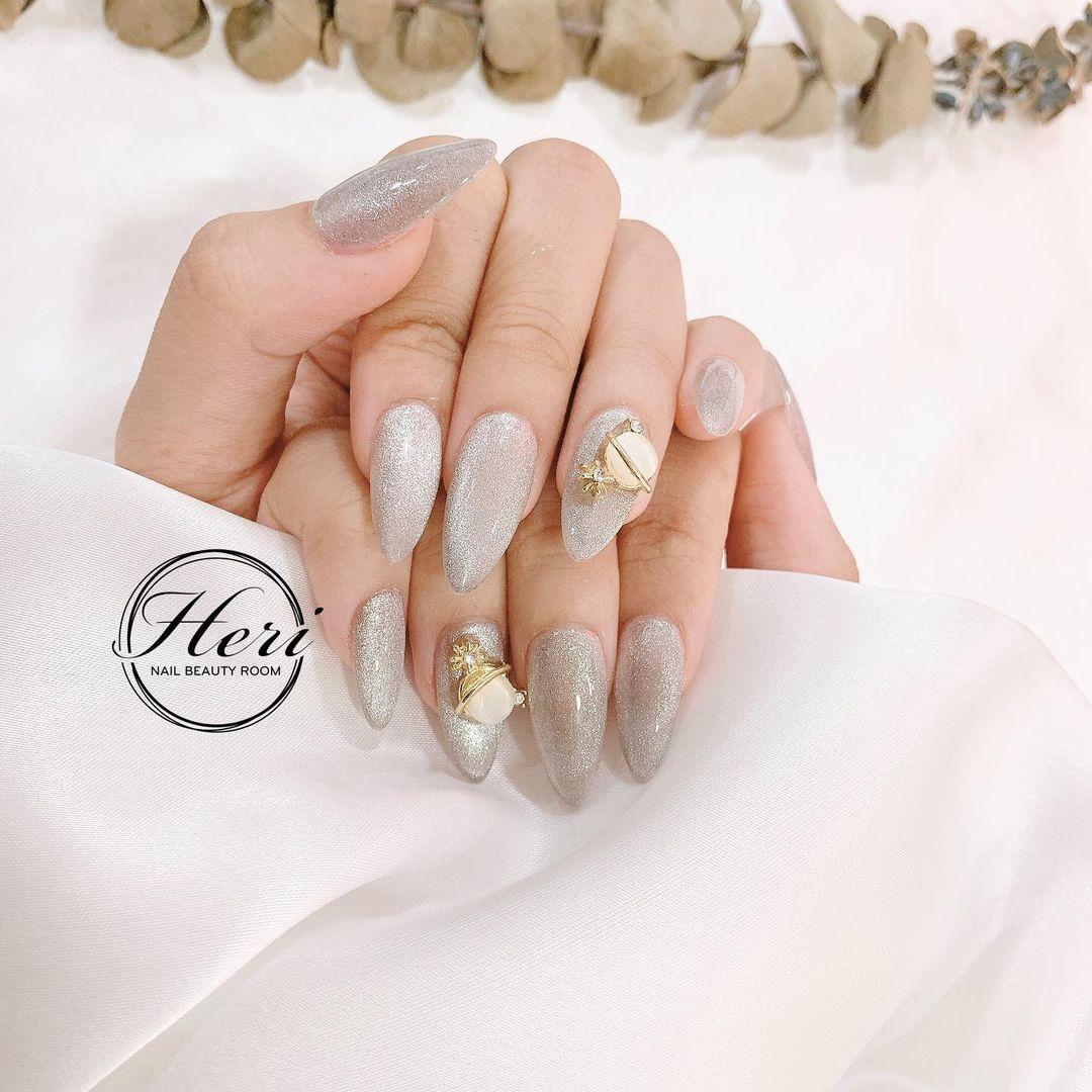 Hưởng ứng Noel bằng những mẫu nail có họa tiết nổi bật và độc đáo - Ảnh 12.