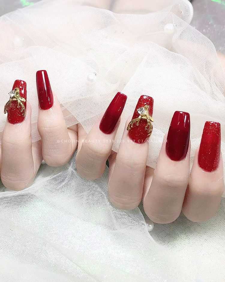 Hưởng ứng Noel bằng những mẫu nail có họa tiết nổi bật và độc đáo - Ảnh 13.