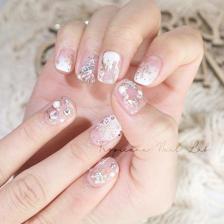 Hưởng ứng Noel bằng những mẫu nail có họa tiết nổi bật và độc đáo - Ảnh 10.