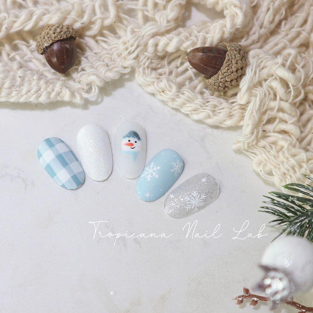 Hưởng ứng Noel bằng những mẫu nail có họa tiết nổi bật và độc đáo - Ảnh 21.