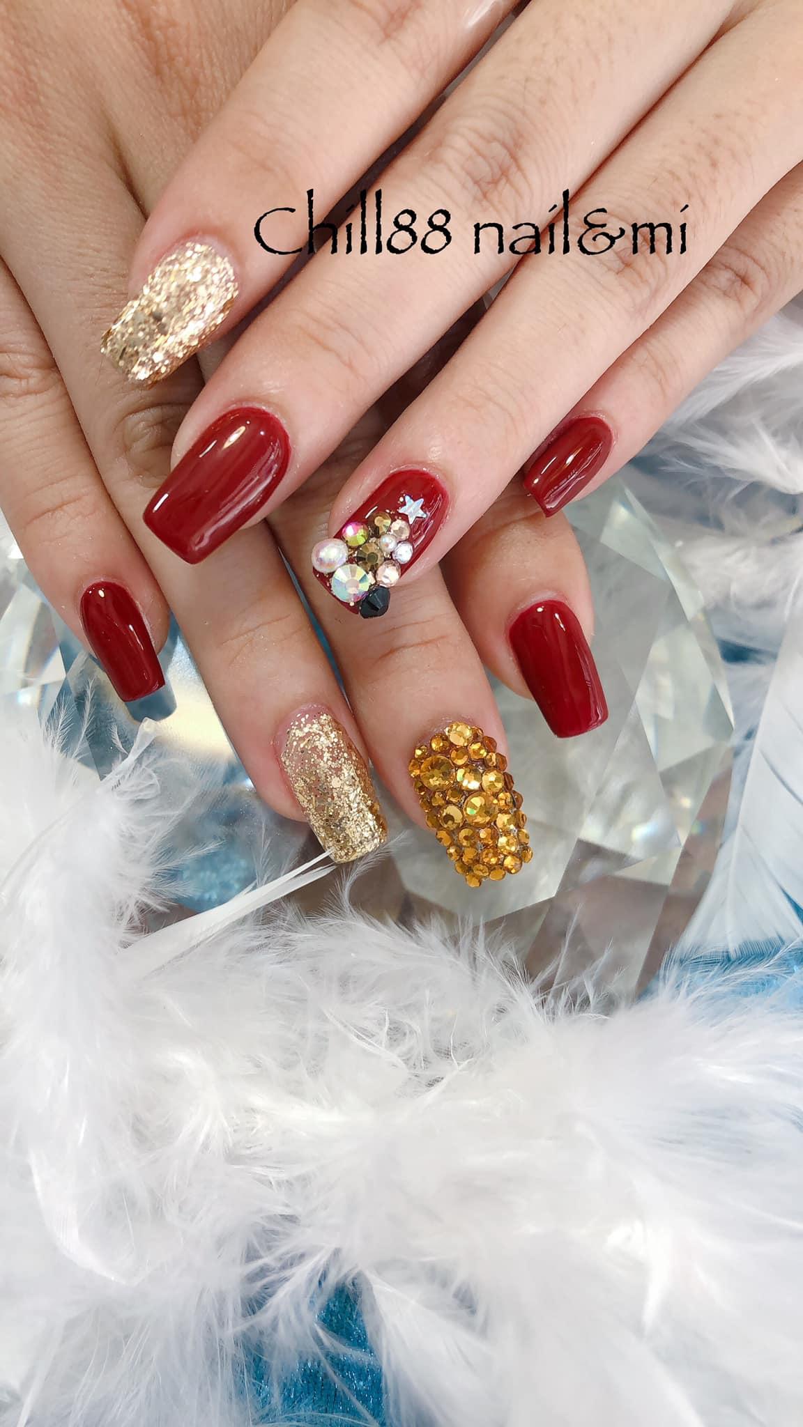 Hưởng ứng Noel bằng những mẫu nail có họa tiết nổi bật và độc đáo - Ảnh 5.