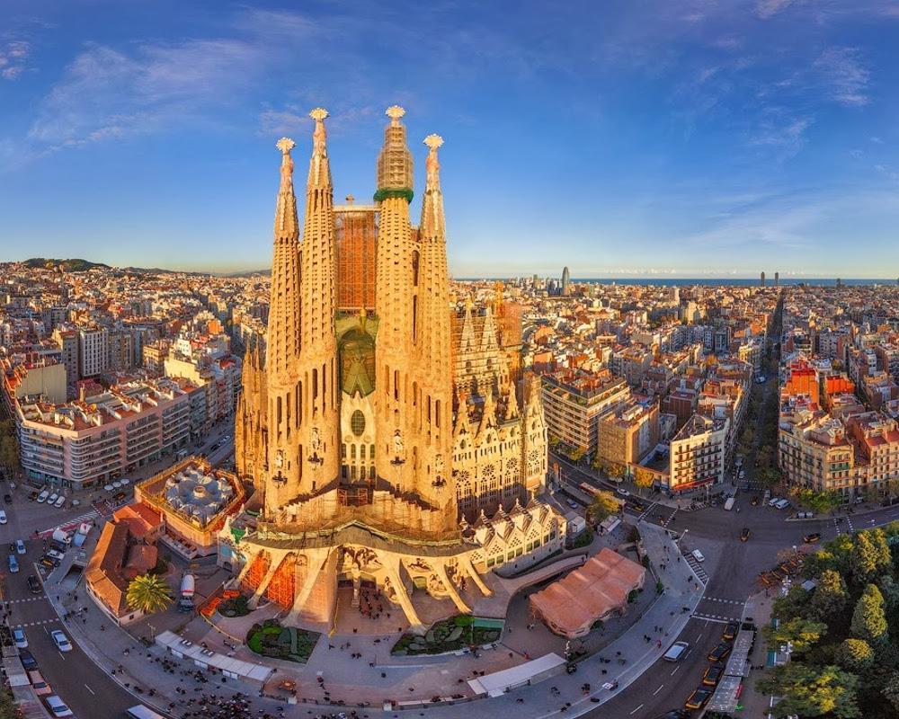 Trải nghiệm du lịch ảo đến Barcelona, thành phố xinh đẹp và quyến rũ nhất Tây Ban Nha - Ảnh 1.