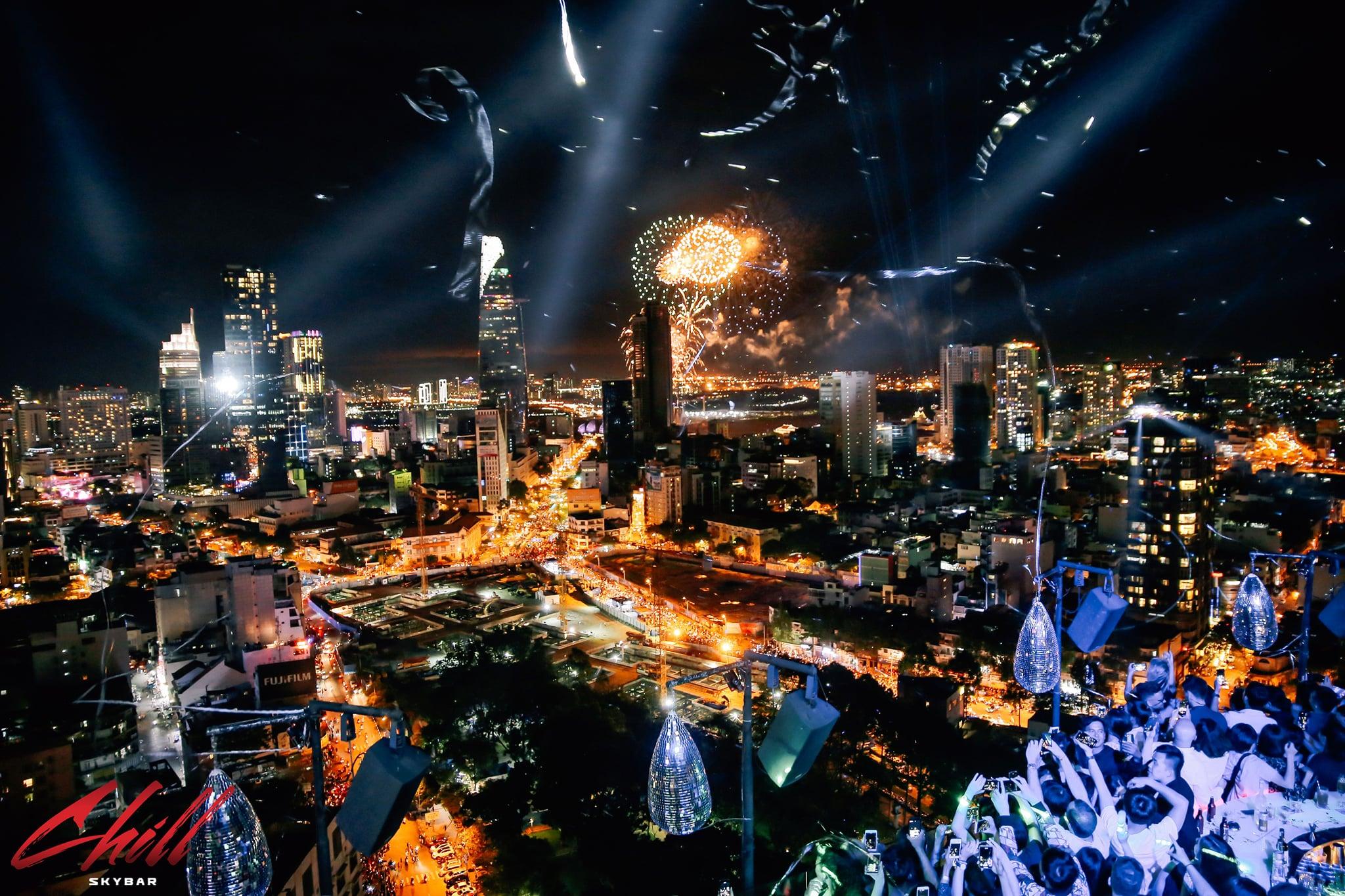 Lưu trọn khoảnh khắc chào năm mới với 15 quán cafe bar view đẹp ngắm pháo hoa  - Ảnh 3.