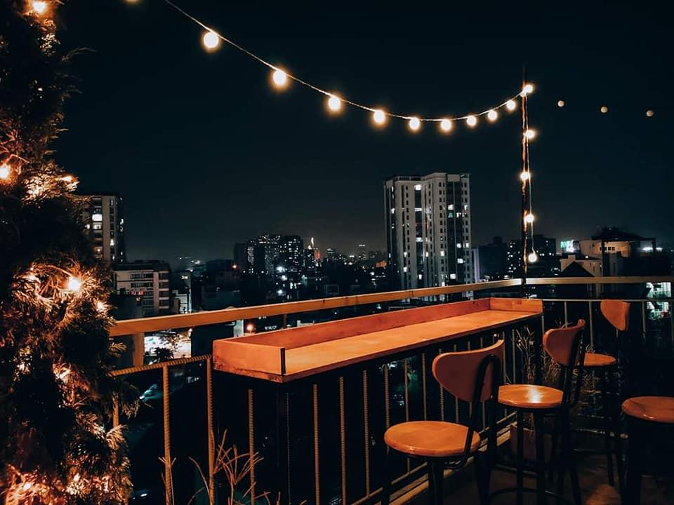 Lưu trọn khoảnh khắc chào năm mới với 15 quán cafe bar view đẹp ngắm pháo hoa  - Ảnh 12.