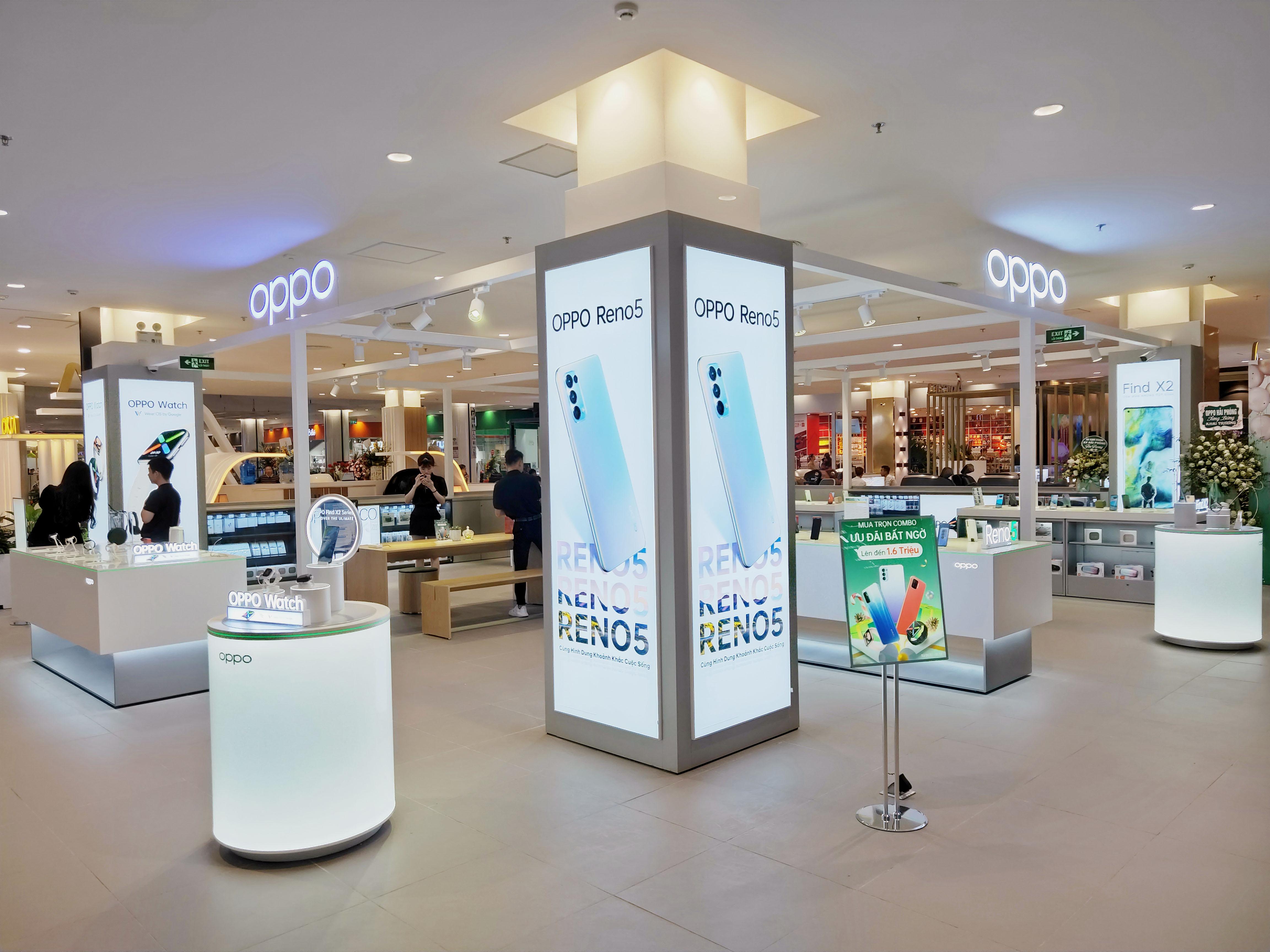 OPPO mở rộng cửa hàng trải nghiệm, tung hàng loạt ưu đãi mùa sale cuối năm - Ảnh 3.