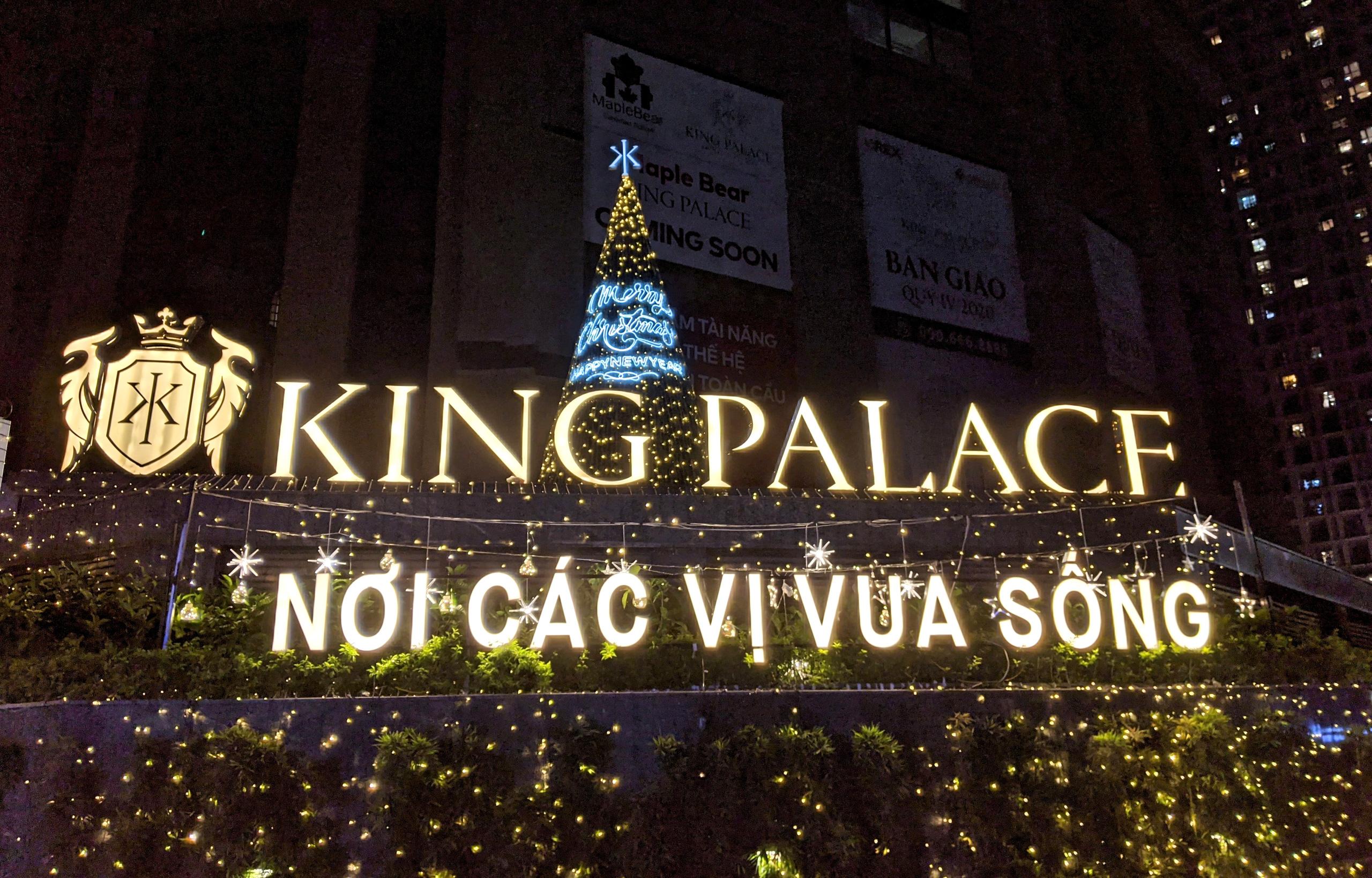 Khách sạn, trung tâm thương mại đồng loạt 'thay áo' mùa Giáng sinh 2020 - Ảnh 8.