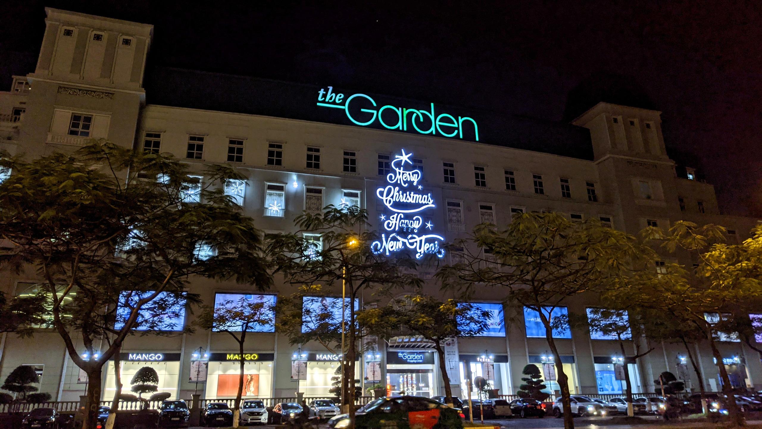 Khách sạn, trung tâm thương mại đồng loạt 'thay áo' mùa Giáng sinh 2020 - Ảnh 13.