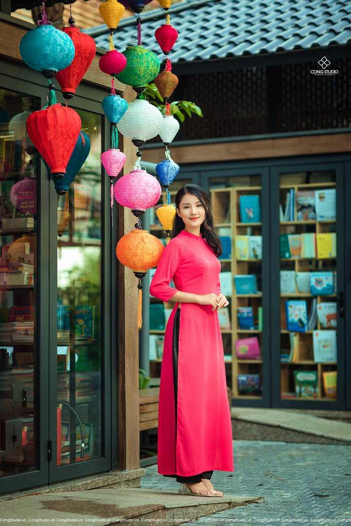 Dịp Tết Dương lịch, chụp ngay bộ ảnh áo dài thướt tha tại 5 địa điểm nổi tiếng ở Hà Nội - Ảnh 4.