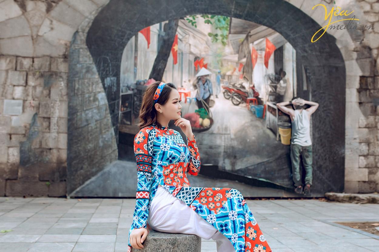 Dịp Tết Dương lịch, chụp ngay bộ ảnh áo dài thướt tha tại 5 địa điểm nổi tiếng ở Hà Nội - Ảnh 9.