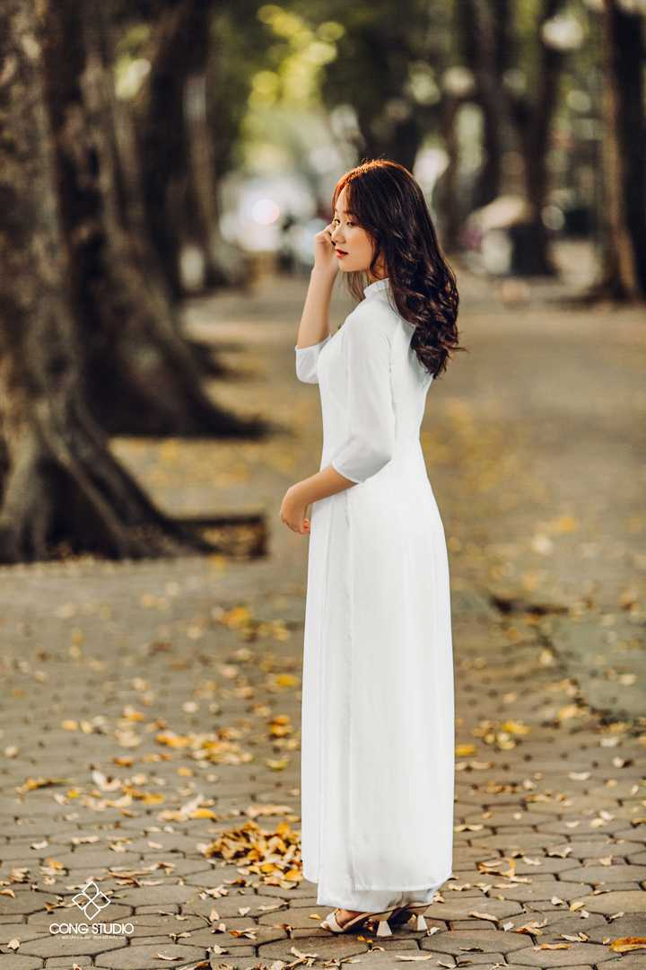 Dịp Tết Dương lịch, chụp ngay bộ ảnh áo dài thướt tha tại 5 địa điểm nổi tiếng ở Hà Nội - Ảnh 10.