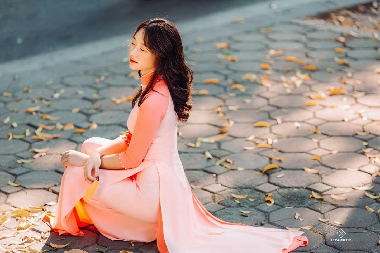 Dịp Tết Dương lịch, chụp ngay bộ ảnh áo dài thướt tha tại 5 địa điểm nổi tiếng ở Hà Nội - Ảnh 11.