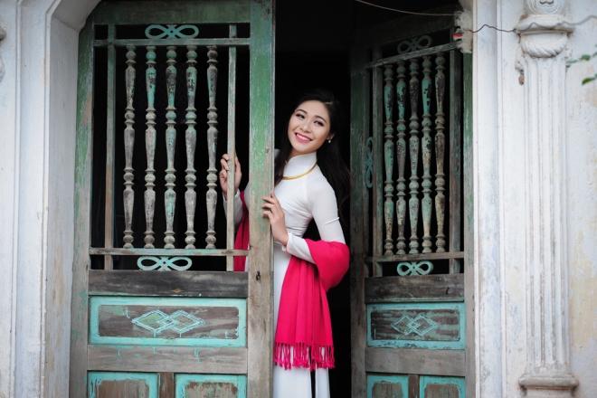 Dịp Tết Dương lịch, chụp ngay bộ ảnh áo dài thướt tha tại 5 địa điểm nổi tiếng ở Hà Nội - Ảnh 15.