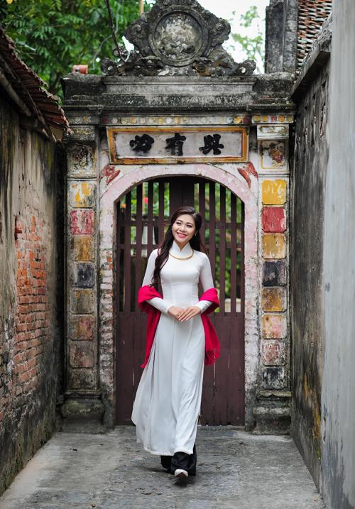 Dịp Tết Dương lịch, chụp ngay bộ ảnh áo dài thướt tha tại 5 địa điểm nổi tiếng ở Hà Nội - Ảnh 14.