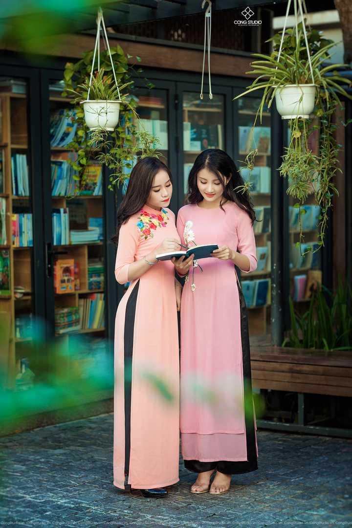 Dịp Tết Dương lịch, chụp ngay bộ ảnh áo dài thướt tha tại 5 địa điểm nổi tiếng ở Hà Nội - Ảnh 3.