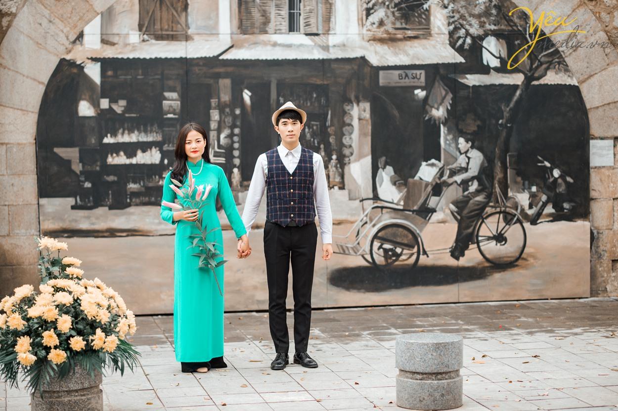 Dịp Tết Dương lịch, chụp ngay bộ ảnh áo dài thướt tha tại 5 địa điểm nổi tiếng ở Hà Nội - Ảnh 8.