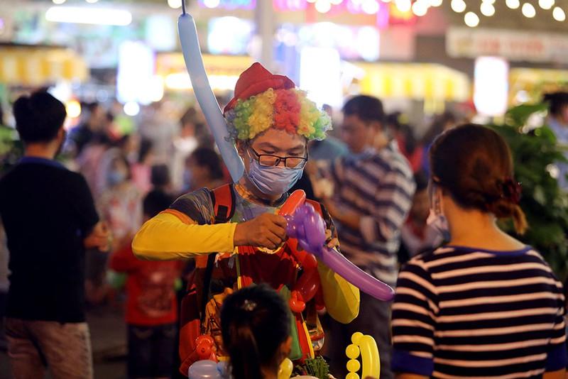Khám phá những sự kiện mừng Tết Dương lịch tại Kỳ đài Quang Trung, phố đi bộ mới xuất hiện ở Sài Gòn - Ảnh 11.