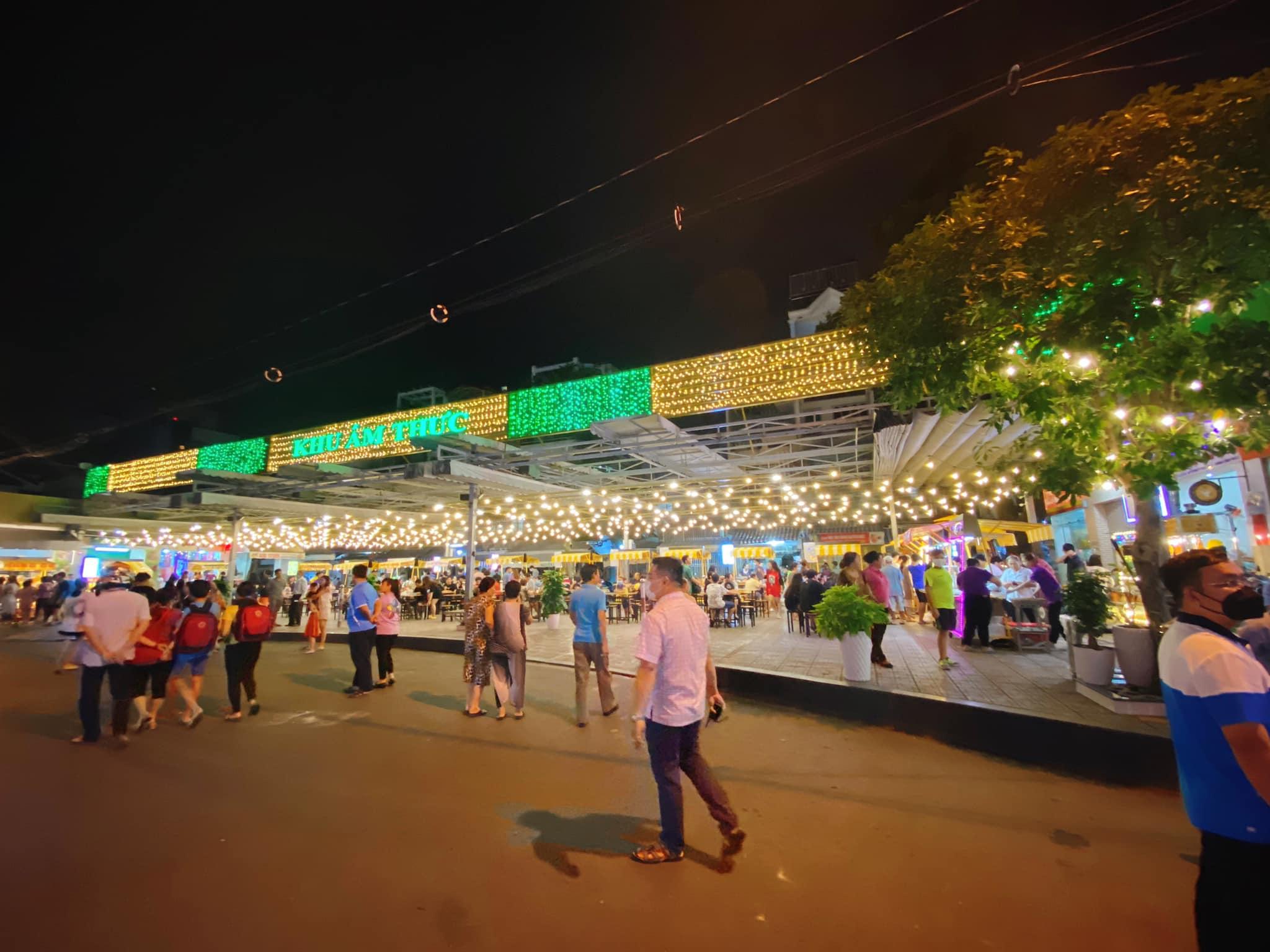 Khám phá những sự kiện mừng Tết Dương lịch tại Kỳ đài Quang Trung, phố đi bộ mới xuất hiện ở Sài Gòn - Ảnh 2.