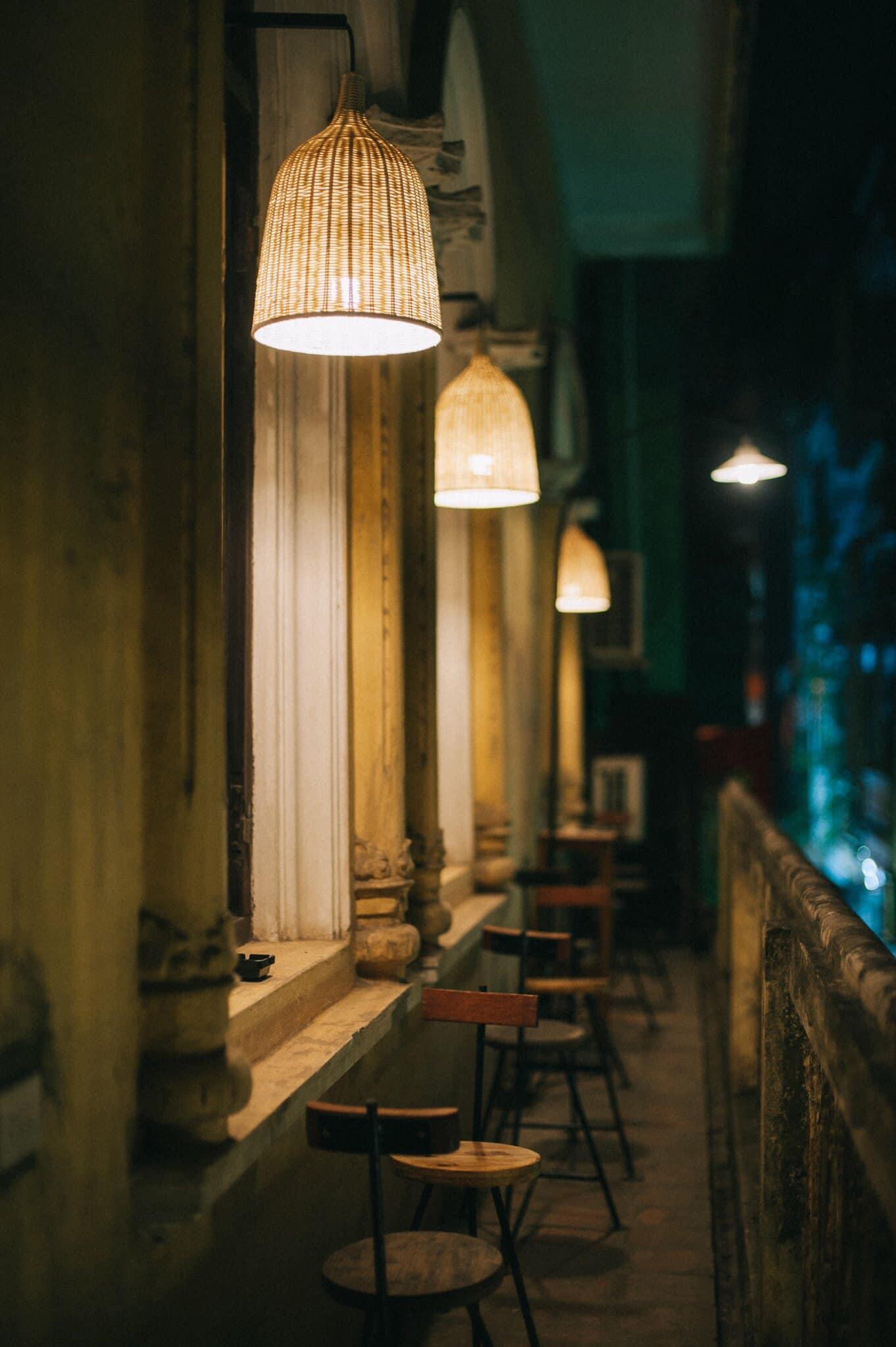 Dịp Tết Dương lịch, ghé thăm những quán cà phê mang phong cách cổ xưa tại Hà Nội  - Ảnh 12.