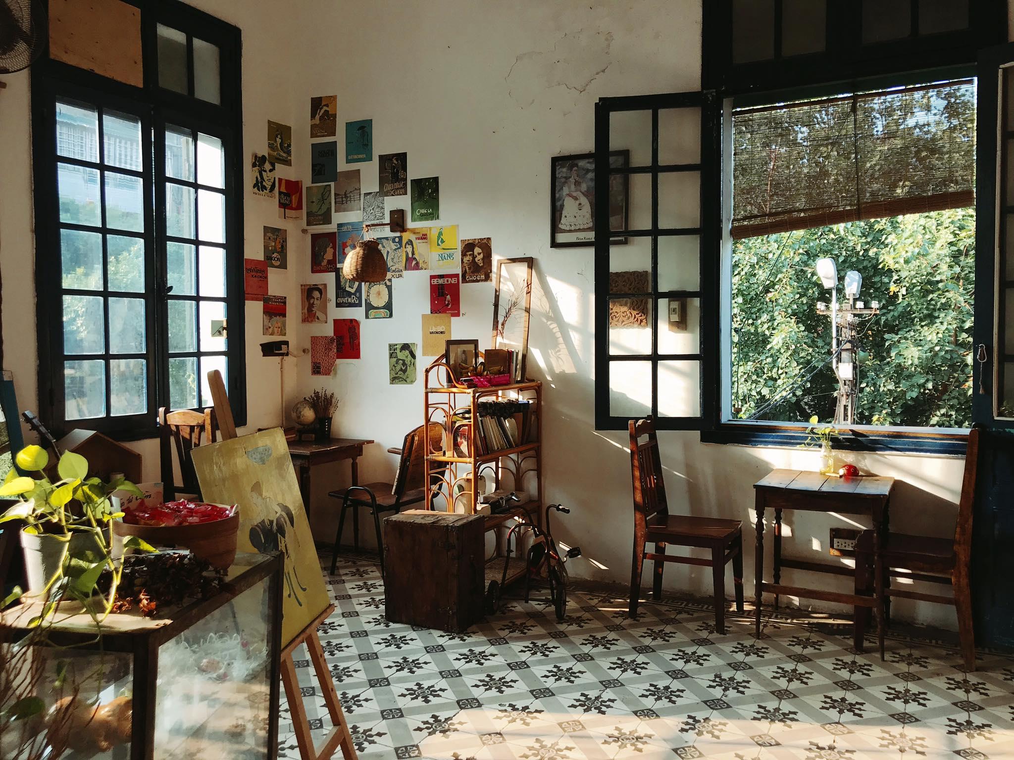 Dịp Tết Dương lịch, ghé thăm những quán cà phê mang phong cách cổ xưa tại Hà Nội  - Ảnh 9.