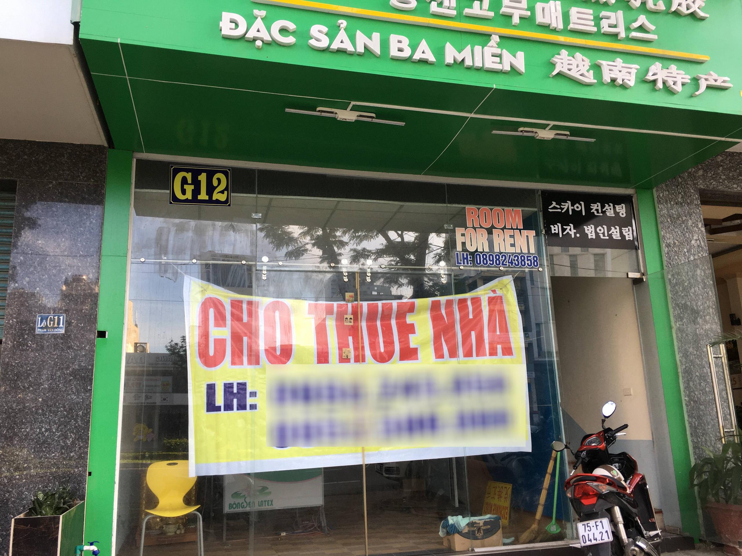 Cận Tết, người dân Đà Nẵng treo bảng cho thuê mặt bằng hàng loạt ven biển nhưng ế ẩm - Ảnh 5.