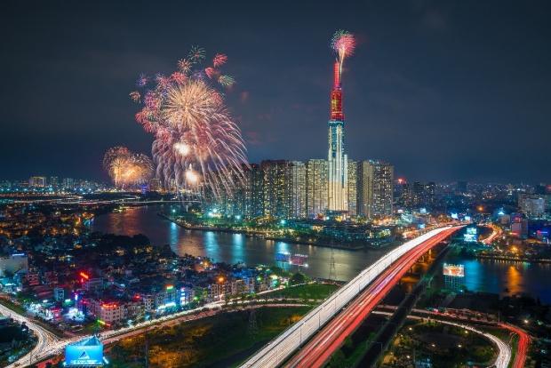 Các điểm bắn pháo hoa mừng Tết Dương lịch 2021 ở Hà Nội và TP Hồ Chí Minh - Ảnh 1.