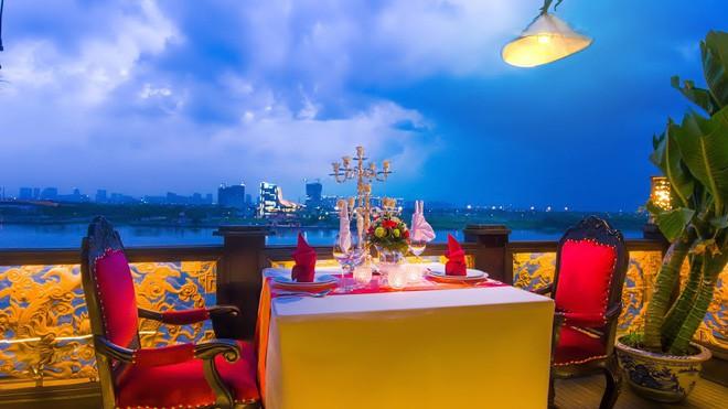 Dịp đầu năm mới, thưởng thức bữa tối sang chảnh tại 5 nhà hàng trên sông Sài Gòn - Ảnh 3.