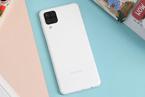 Samsung Galaxy A12 thiết kế trẻ trung, pin khủng 5000mAh giá chưa tới 5 triệu - Ảnh 2.