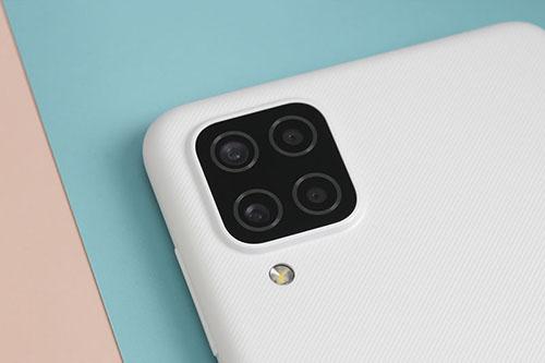 Samsung Galaxy A12 thiết kế trẻ trung, pin khủng 5000mAh giá chưa tới 5 triệu - Ảnh 3.