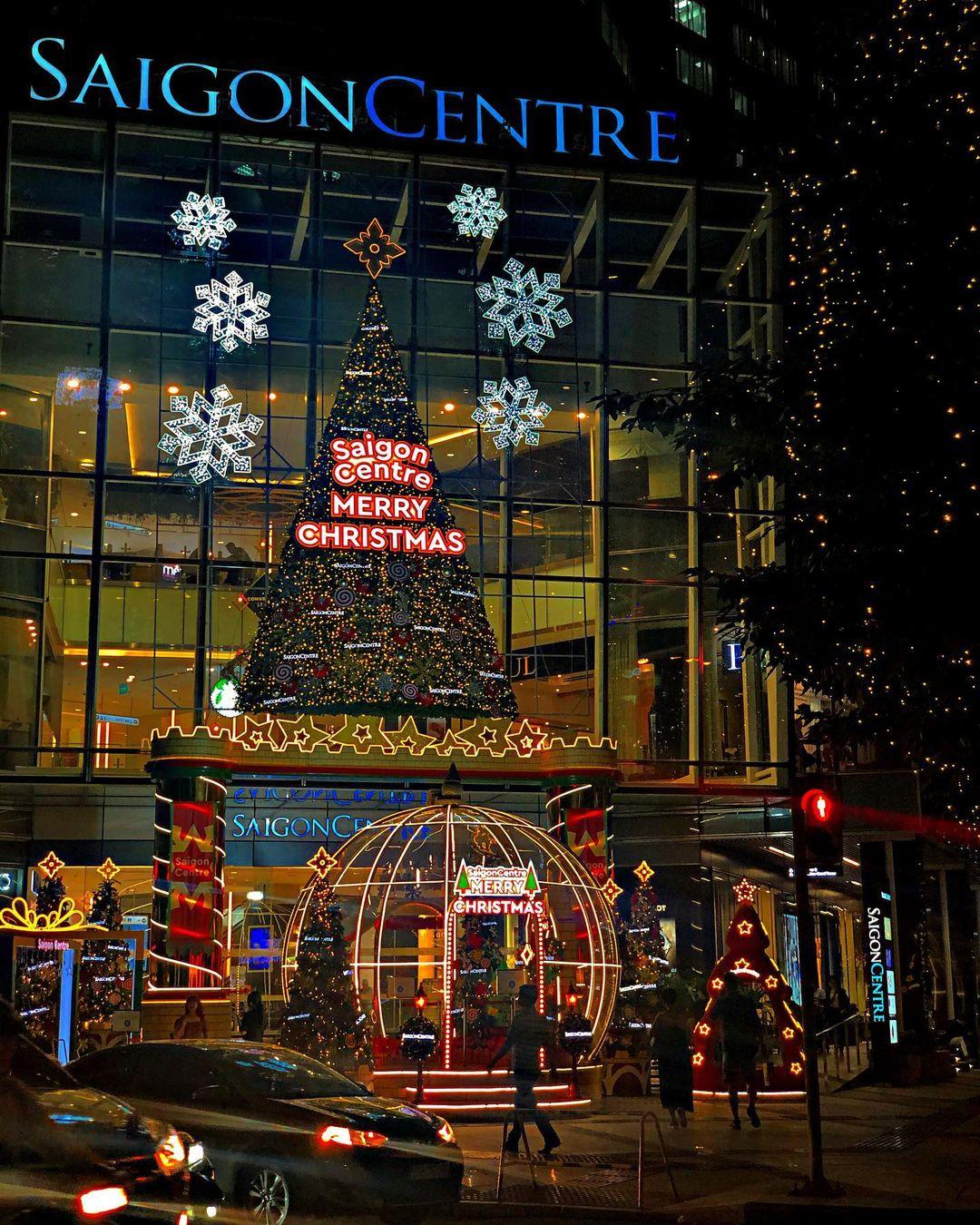 Những xu hướng trang trí cây thông lên ngôi dịp Giáng sinh 2020 - Ảnh 7.