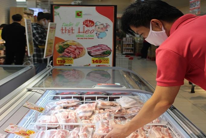 Big C mở tiệc thịt heo nhập khẩu, giá thịt sườn chỉ từ hơn 100.000 đồng/kg, có loại giảm 70.000 đồng/kg - Ảnh 1.