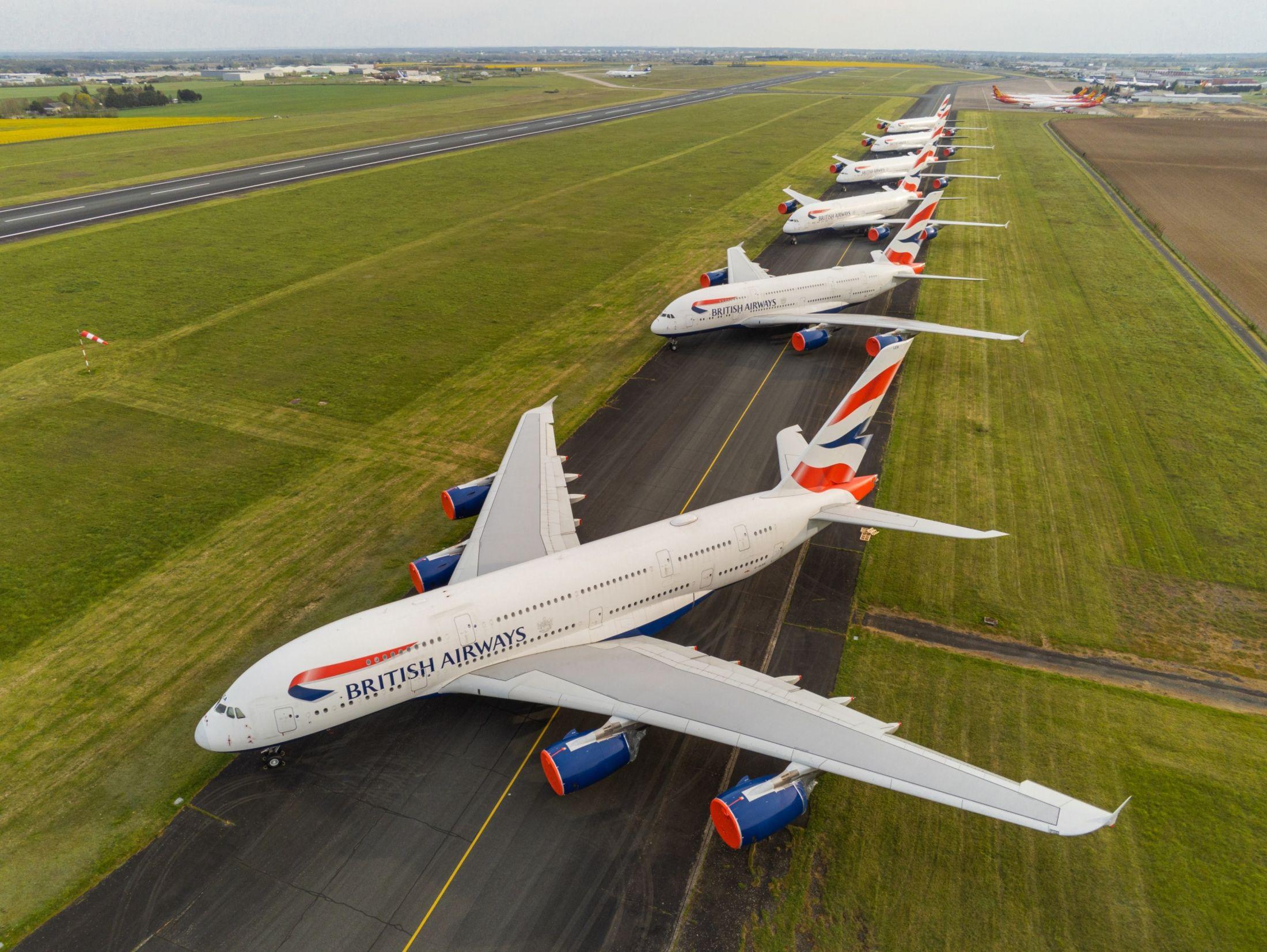 Các hãng hàng không đang bận rộn việc gì khi hơn 2/3 đội bay đang đắp chiếu? - Ảnh 4.