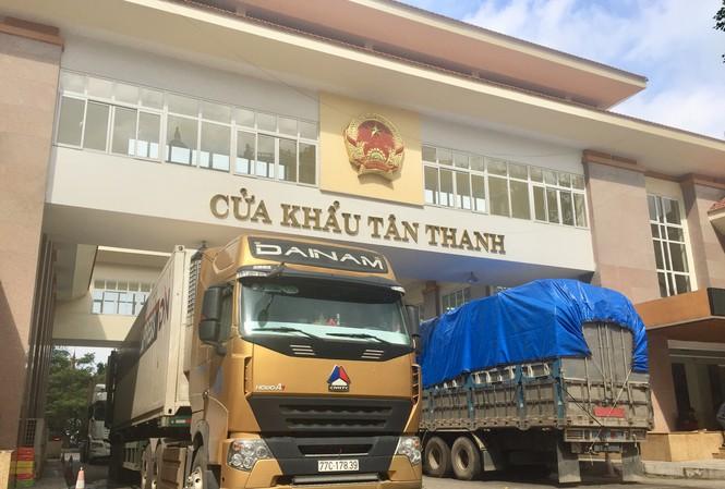 Container ùn ứ ở cửa khẩu Tân Thanh giảm mạnh sau khi Trung Quốc khôi phục thời gian thông quan - Ảnh 1.