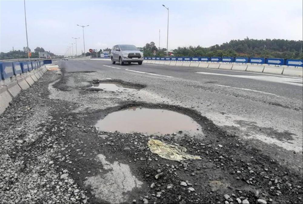 Bộ Công an đề nghị xác định chi phí sửa chữa cao tốc Đà Nẵng- Quảng Ngãi - Ảnh 1.