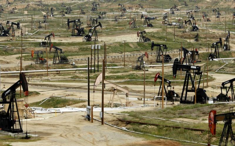 Nguyên nhân đằng sau giá dầu lao xuống mức dưới 0 USD/thùng? - Ảnh 3.