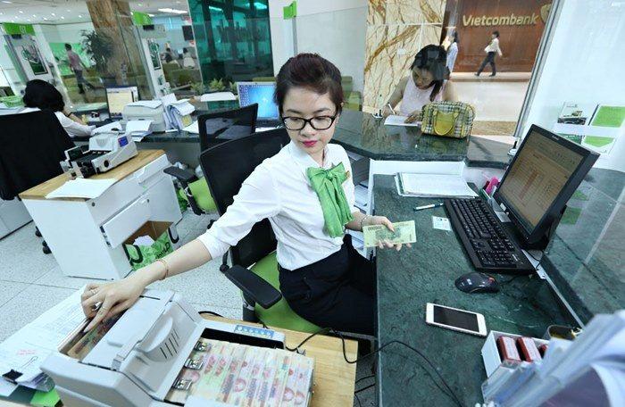 Lợi nhuận quý I Vietcombank giảm 655 tỉ giữa dịch Covid-19 - Ảnh 1.