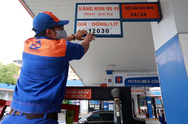 Giá xăng dầu trong nước chưa giảm vì chờ tới... chu kì - Ảnh 2.