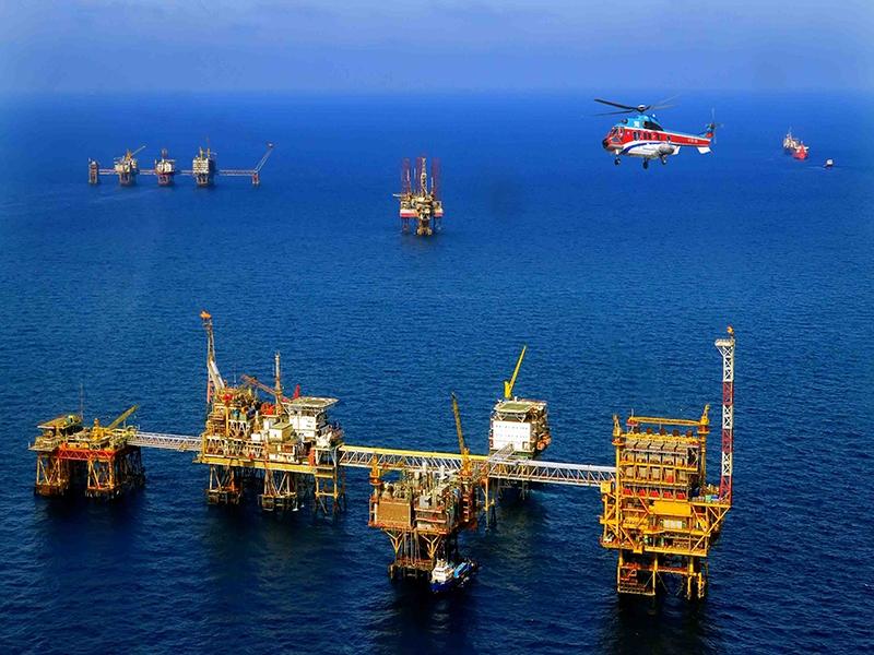 PVN muốn mua dầu thô tích trữ vì giá đang xuống thấp nhưng không có kho chứa - Ảnh 3.
