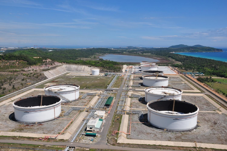 PVN muốn mua dầu thô tích trữ vì giá đang xuống thấp nhưng không có kho chứa - Ảnh 1.
