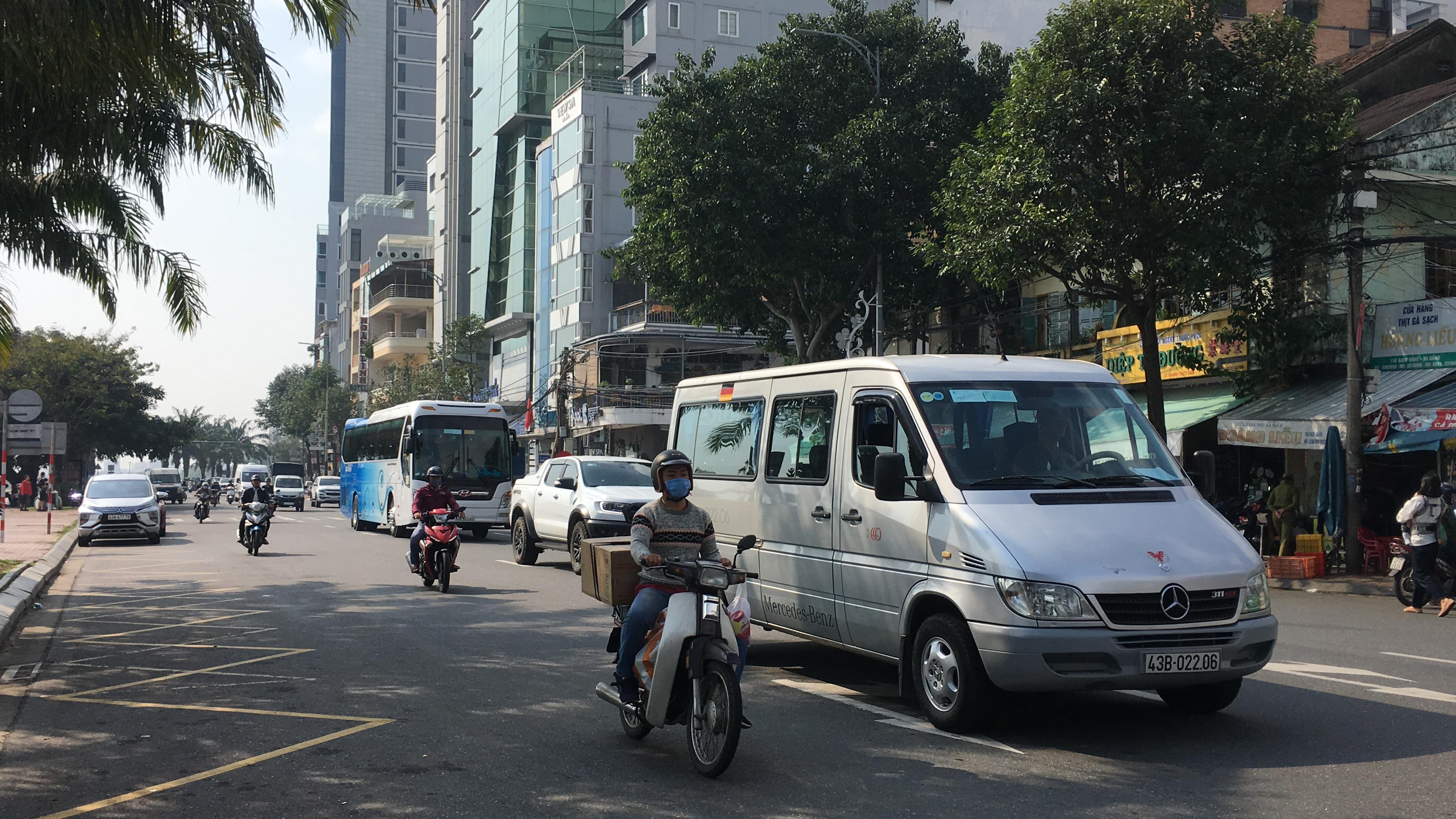 Đà Nẵng và Quảng Nam cho xe khách liên tỉnh hoạt động lại từ hôm nay 24/4 - Ảnh 1.
