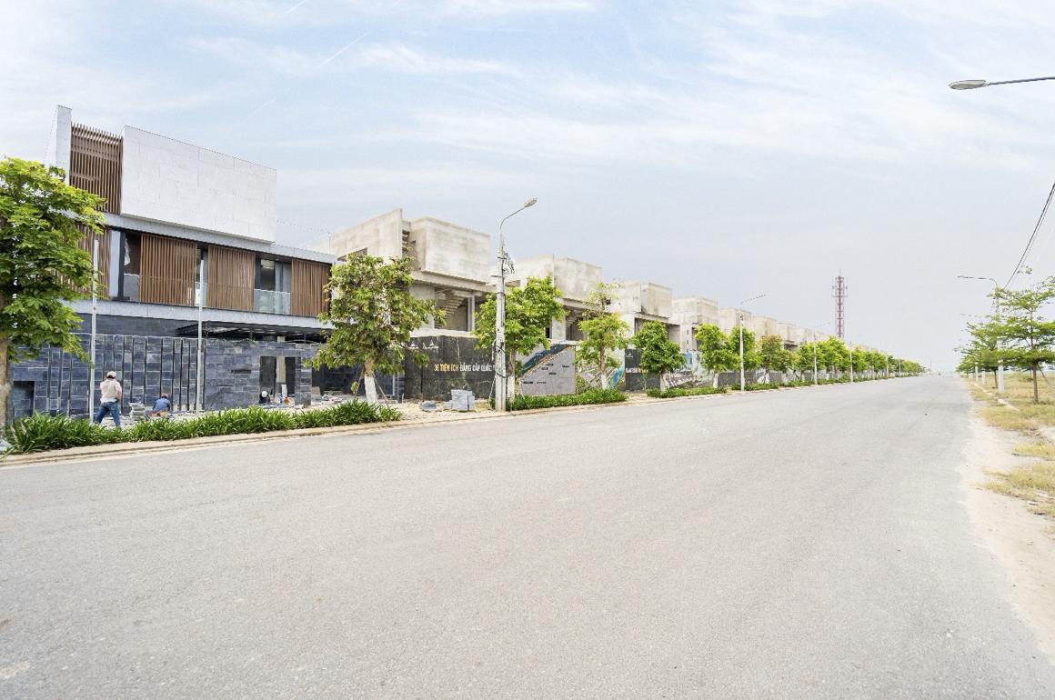 Đất Xanh Miền Trung gấp rút hoàn thiện các công trình nhà ở trong mùa dịch Covid-19 - Ảnh 2.