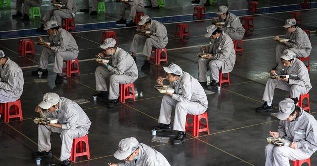 Buốt nhói vì cú sốc chuỗi cung ứng, Mỹ, Nhật, EU tìm cách lôi kéo doanh nghiệp rút khỏi Trung Quốc - Ảnh 1.