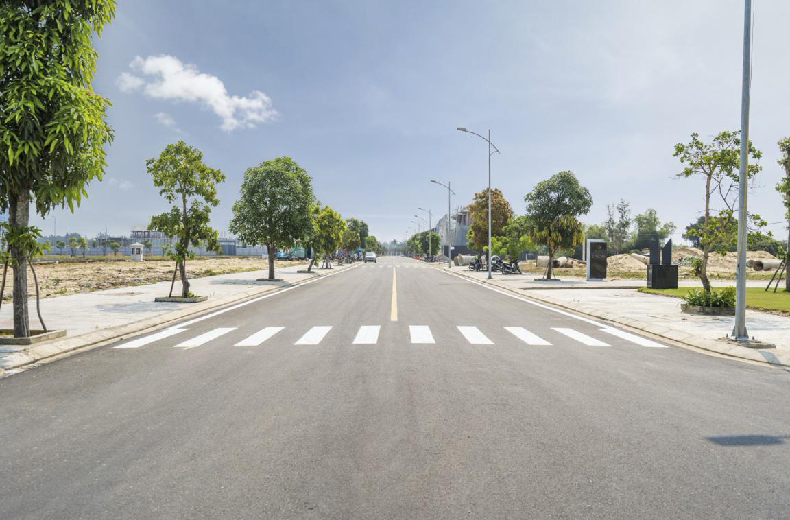 Hệ thống hạ tầng đã được hoàn thiện và trồng cây xanh theo đúng tiêu chuẩn khoảng cách của nhà nước. (Ảnh: ĐXMT).