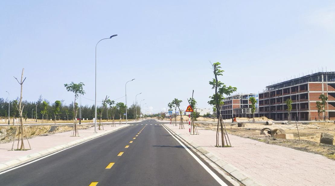 Toàn bộ hạ tầng đều đã được hoàn thành, hệ thống đường phía sau chuỗi shophouse. (Ảnh: ĐXMT).