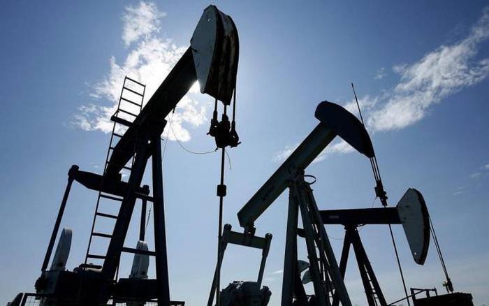 Giá xăng dầu hôm nay 27/4: Tiếp đà bi quan, nhiên liệu giữ ngưỡng thấp  - Ảnh 1.