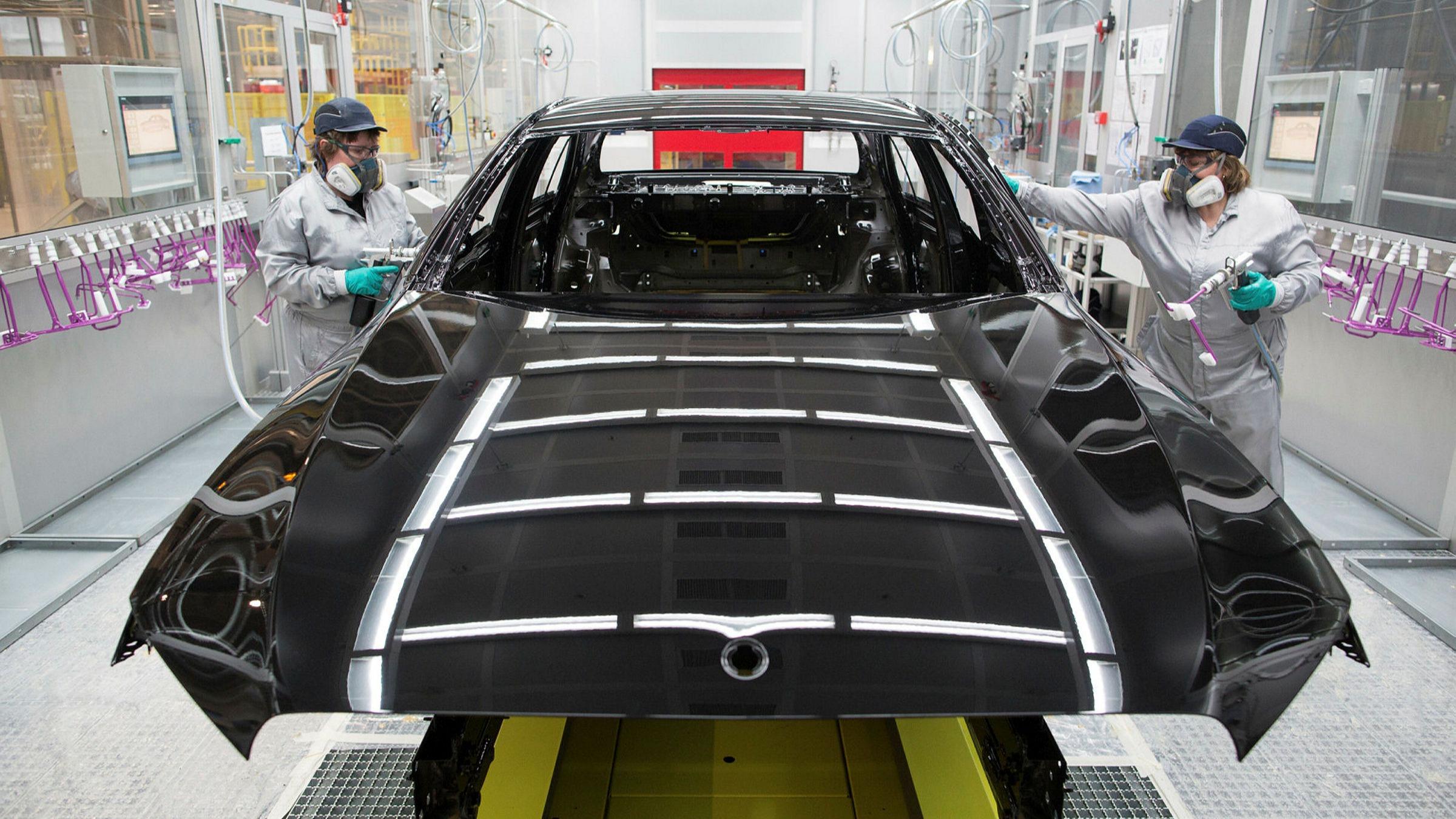 Toyota, Volkswagen và Hyundai 'rộn ràng' khởi động lại các nhà máy sản xuất ô tô ở châu Âu sau dịch Covid - 19 - Ảnh 3.