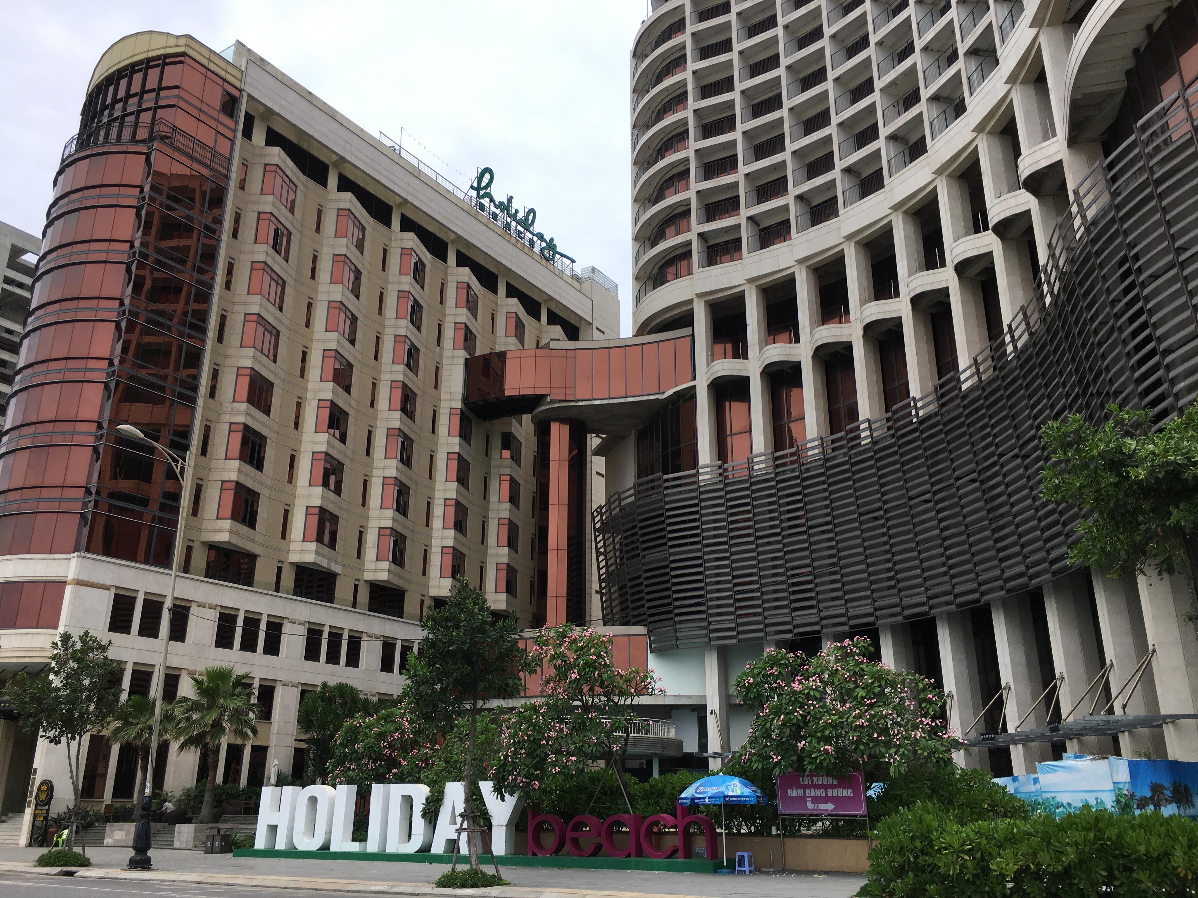 Khách sạn ở Đà Nẵng đóng cửa im ỉm dù chính quyền cho đón khách trở lại - Ảnh 3.