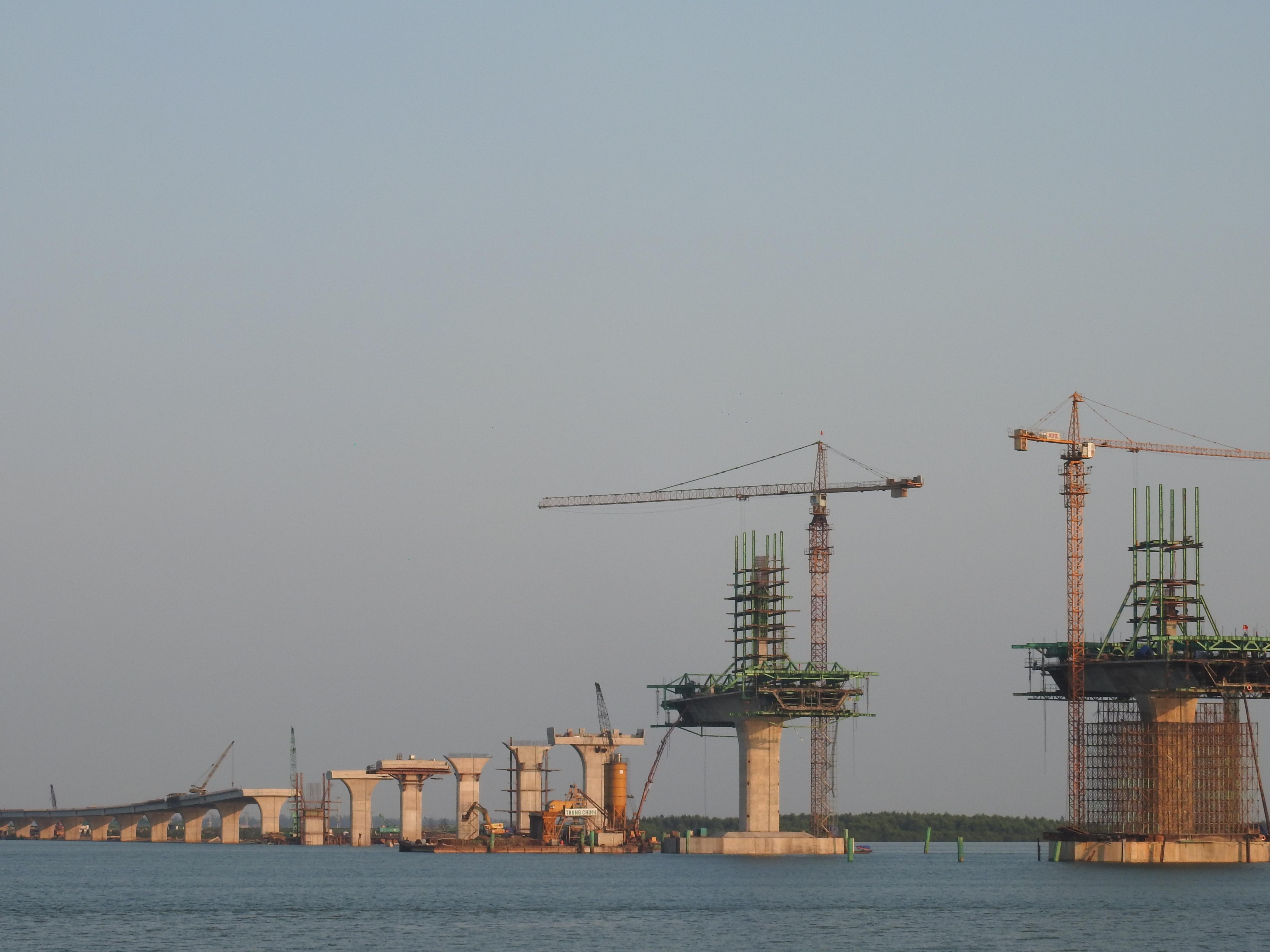 Cận cảnh cầu Cửa Hội nối hai tỉnh Nghệ An - Hà Tĩnh, tổng mức đầu tư 950 tỉ đồng, dự kiến thông xe tháng 8/2020 - Ảnh 5.