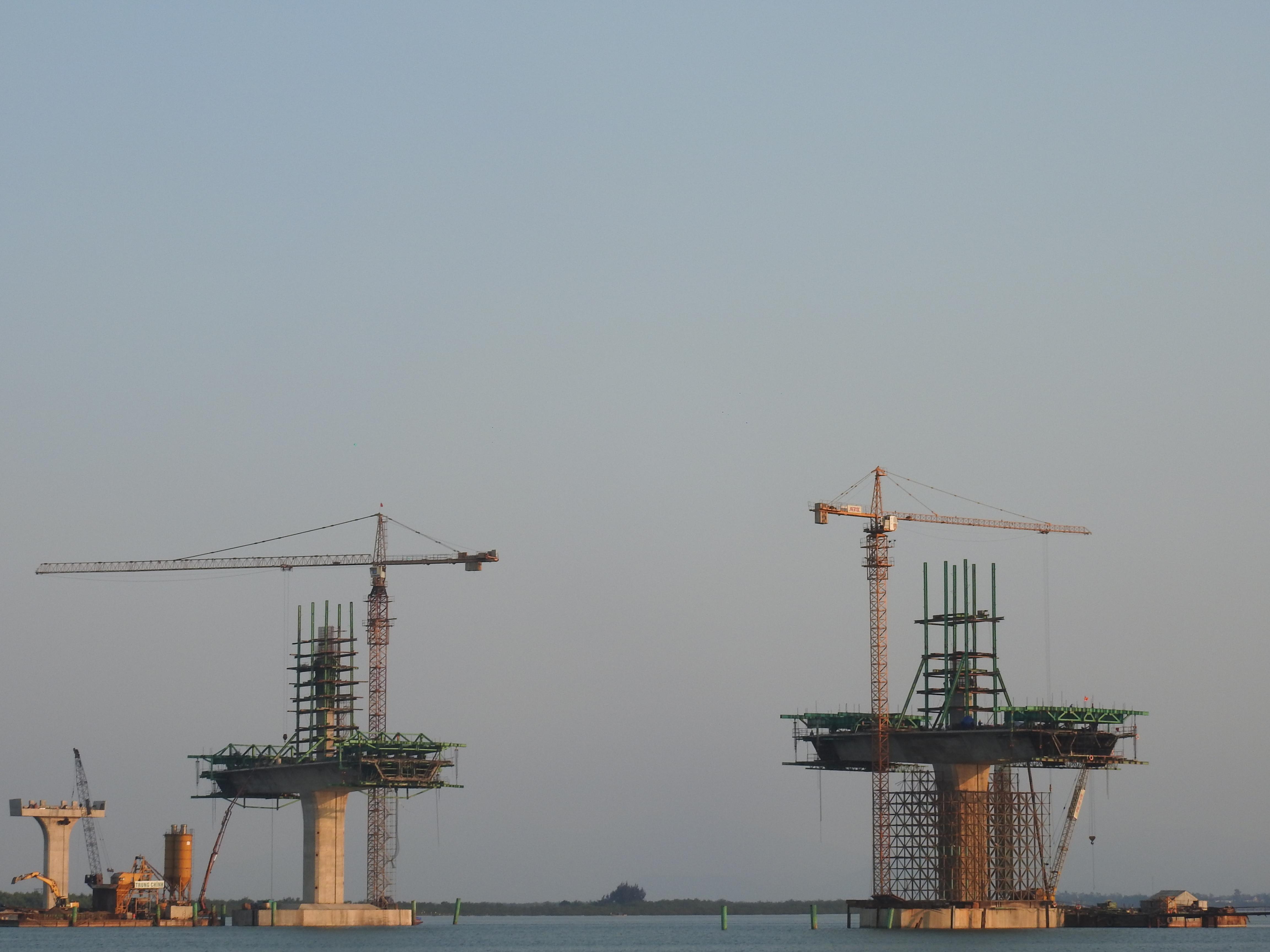 Cận cảnh cầu Cửa Hội nối hai tỉnh Nghệ An - Hà Tĩnh, tổng mức đầu tư 950 tỉ đồng, dự kiến thông xe tháng 8/2020 - Ảnh 7.